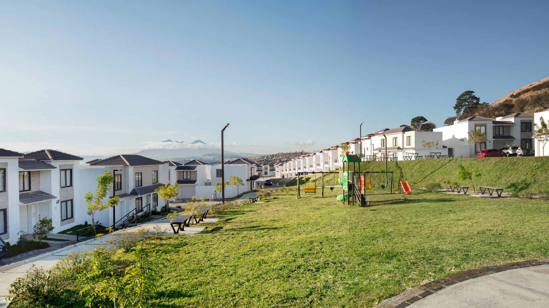 Áreas verdes en Hacienda de las Flores con juegos, canchas para la calidad de vida de las familias
